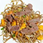 udon con carne